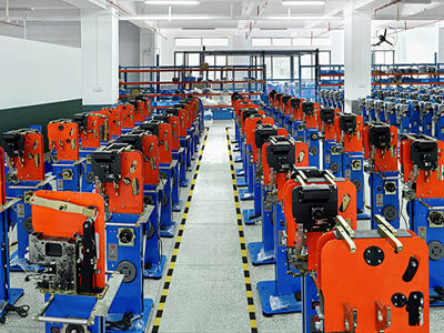 The difference between automatic buckle machine and semi-automatic bag machine